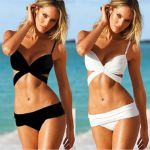 Maillot de bain bikini triangle (Lot 10 pcs)