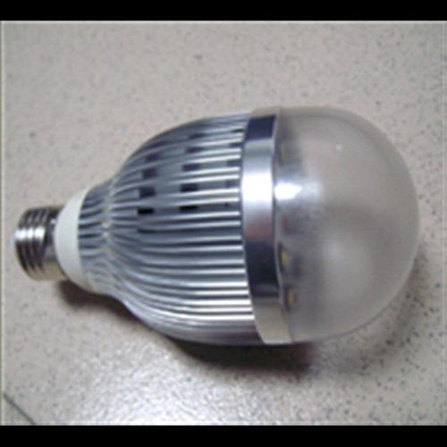 ampoule led 8W 6050C