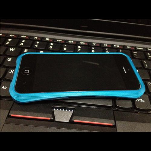 coque aluminium brosse Iphone5 pic3