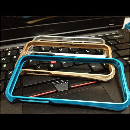 coque aluminium brosse Iphone5 pic4