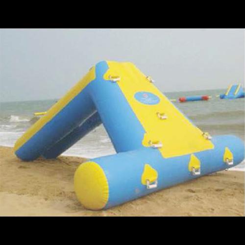 jeu gonflable aquatique STRGNFJ532