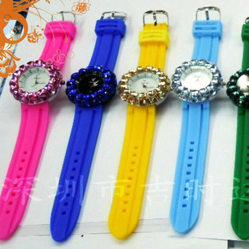 montre pierres serties WS1132 pic3