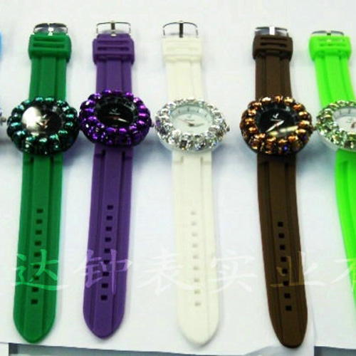 montre pierres serties WS1132 pic4