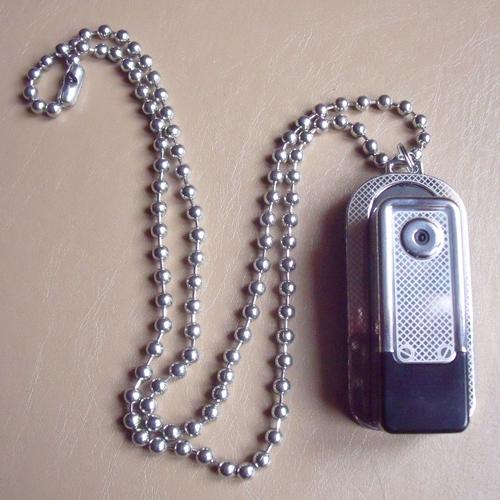 pendentif espion pic9