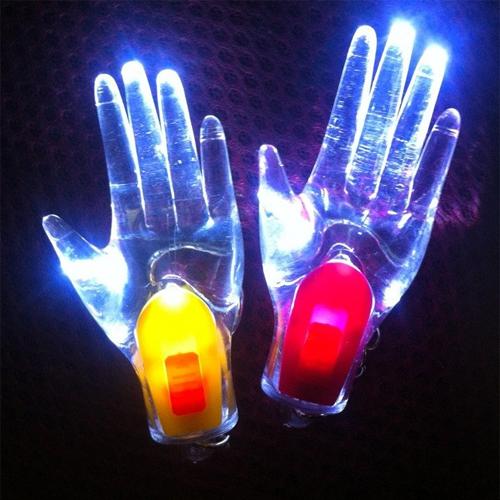 porte cle main fantome