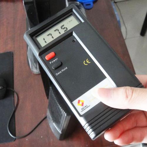 testeur champs electromagnetiques TC1100